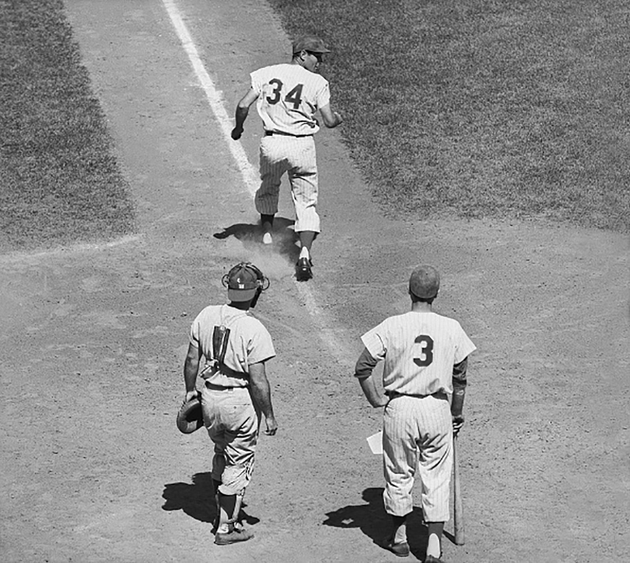 Jimmy Piersall Rounding Bases Backwards